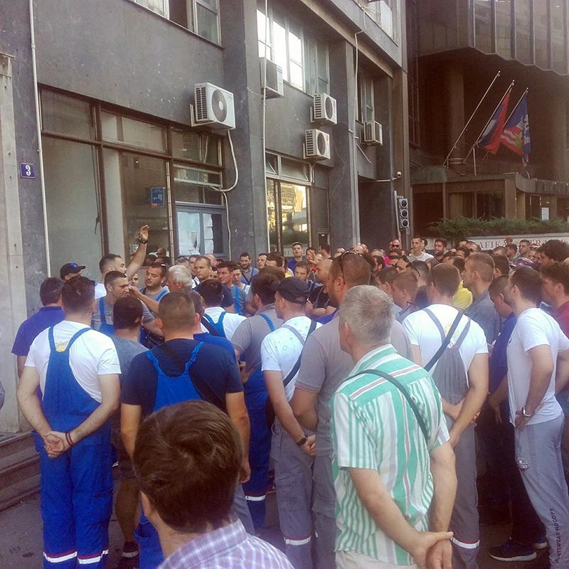 Protest radnika EPS-a zbog privremenih i povremenih poslova